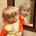 Wall Mirrors Aid your Childs Development